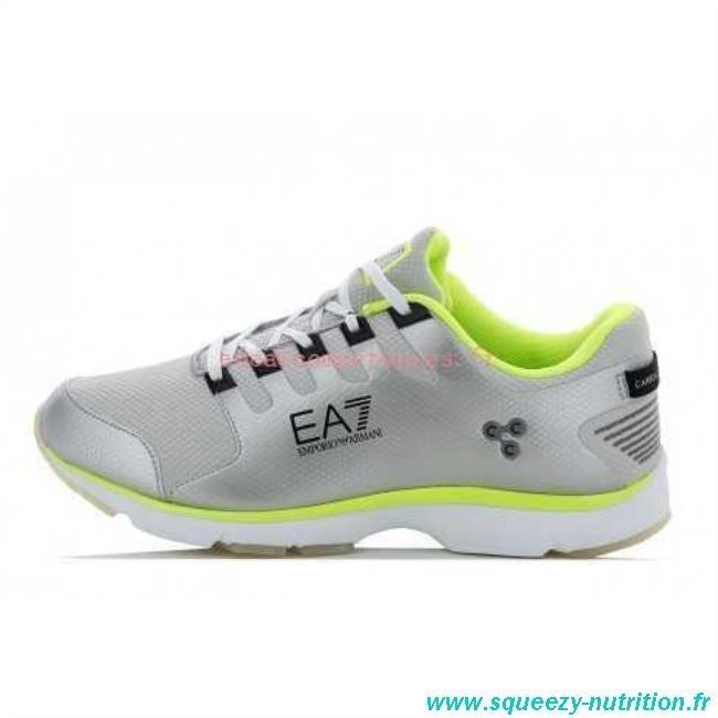 Chaussures de sport homme Emporio Armani multicolores avec logo sur le  c té. Chaussures Armani Sport armani jeans plein cuir des chaussures de  sport ... 8a98754926a